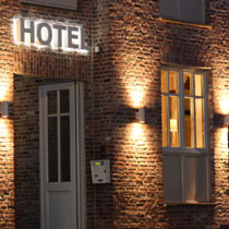 Hotel No 11 outdoor lighting